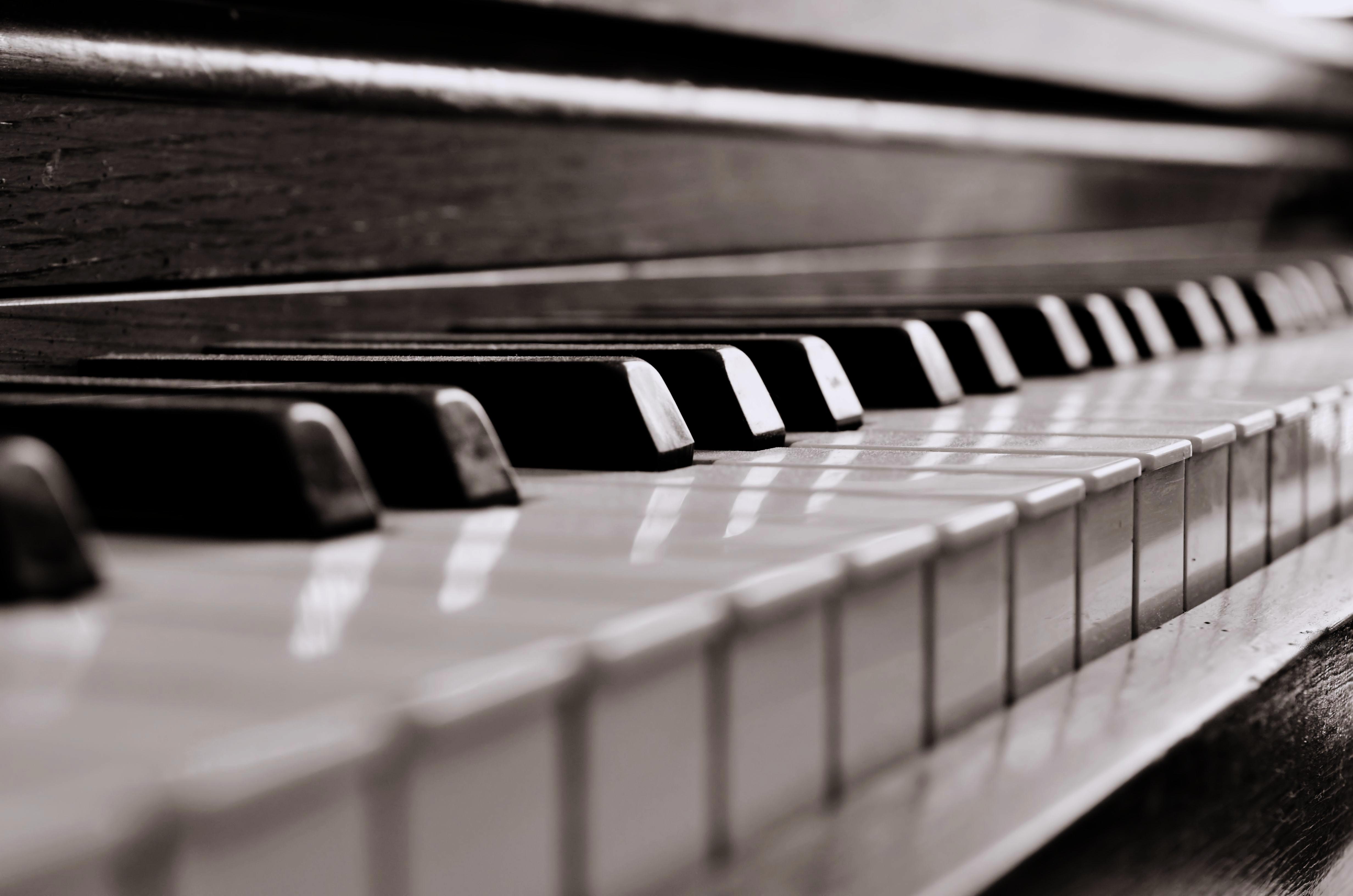 305801-piano